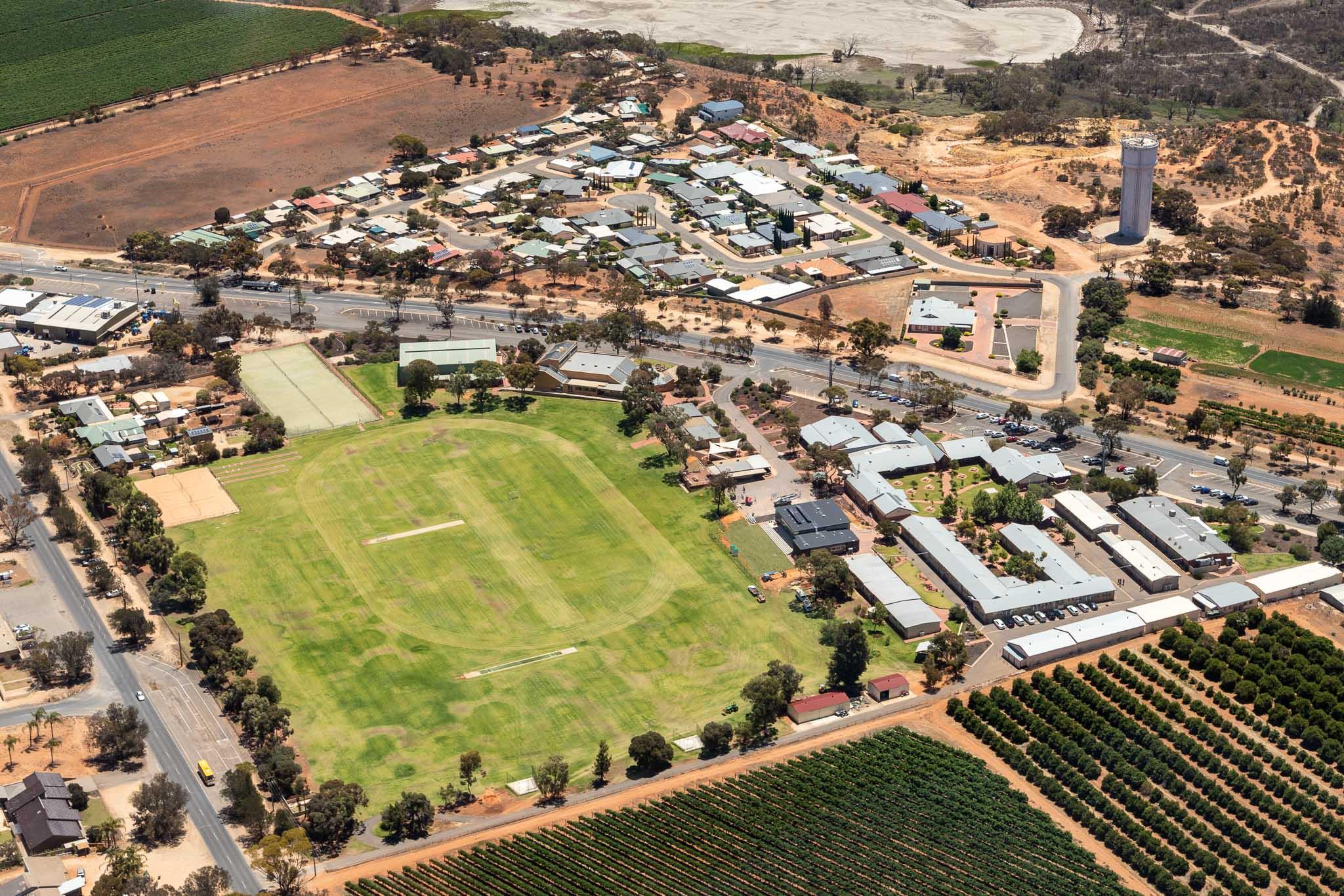aerial, loxton, school